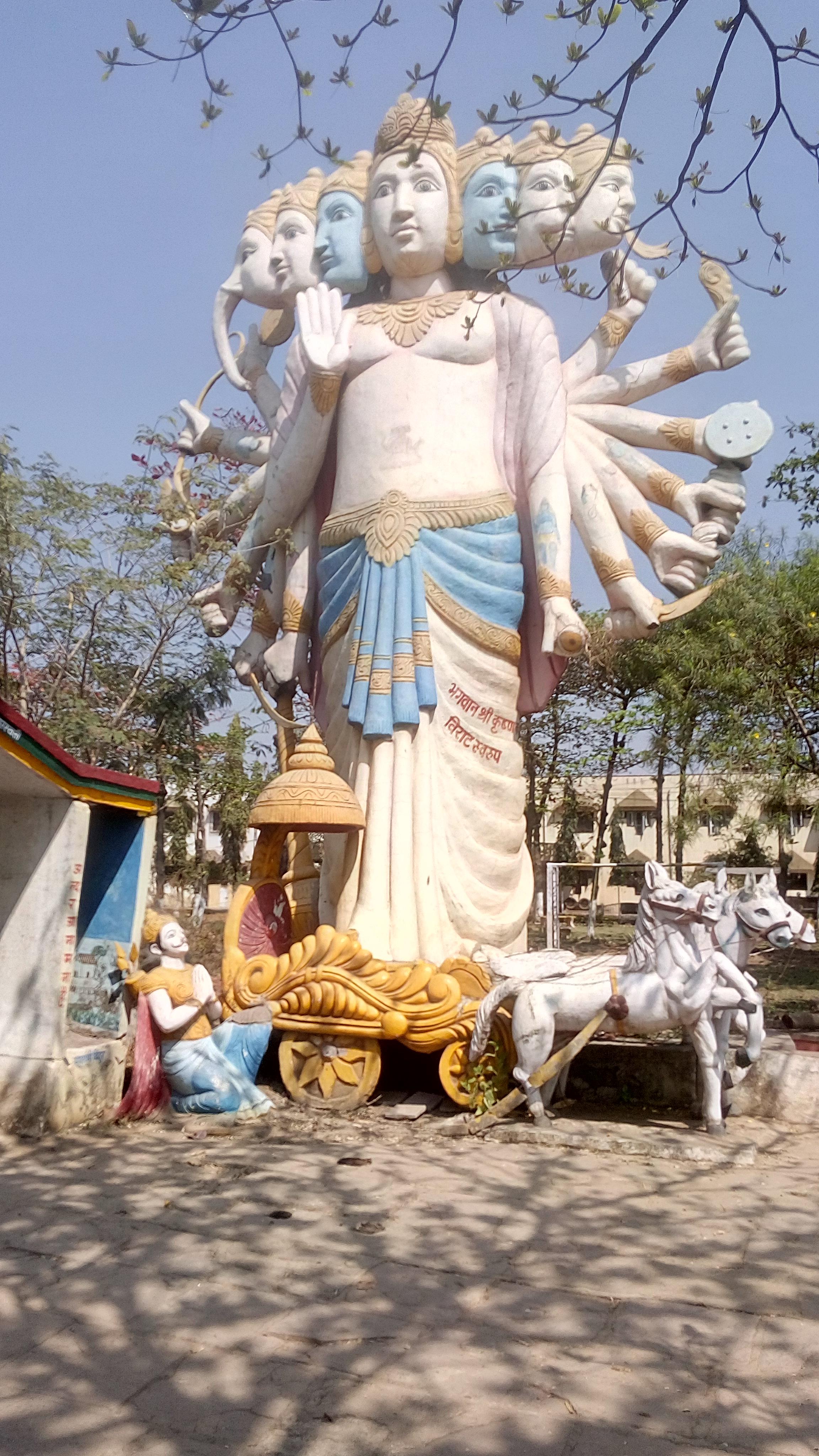 Jak się modlą Hindusi - część I . Wisznu- jeden z najpopularniejszych bogów w Hinduizmie,