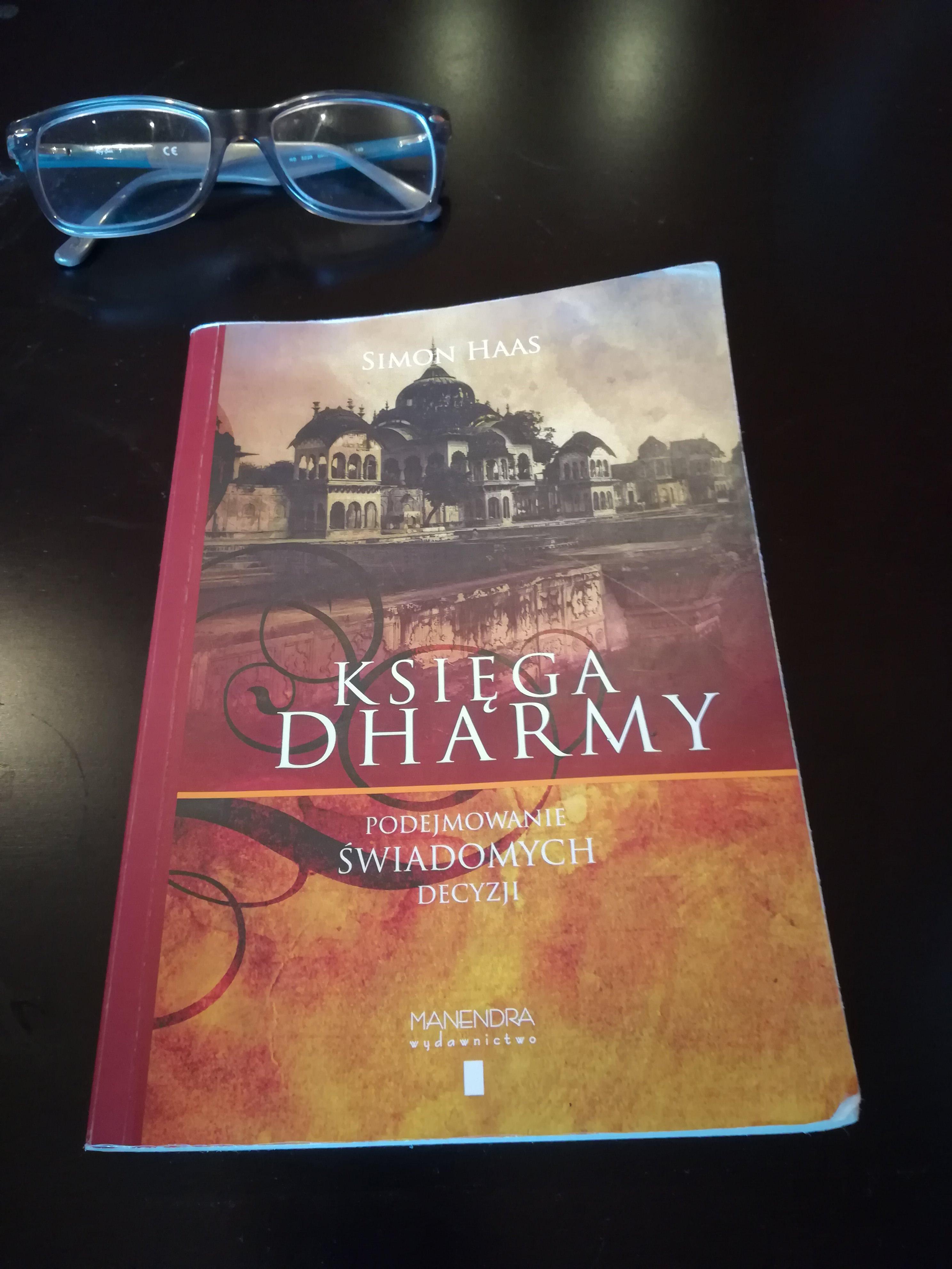 Recenzja książki Księga dharmy- podejmowaniu świadomych decyzji